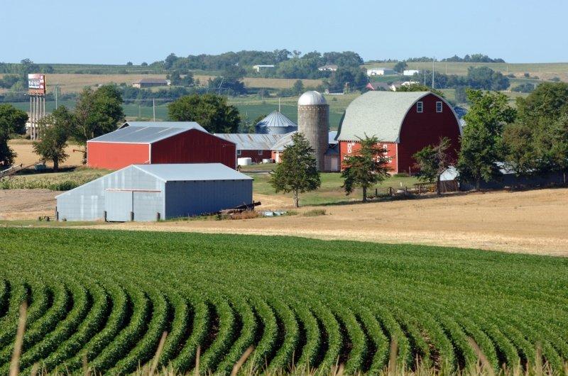A red barn in Nebraska.